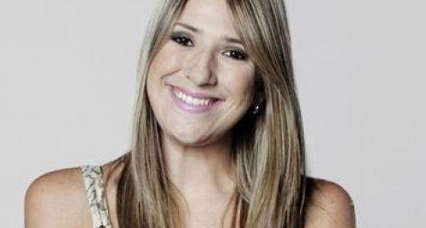 Dani Calabresa começa a dar expediente na Globo