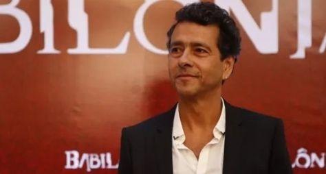 Marcos Palmeira vive político corrupto e marido infiel em Babilônia