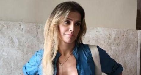 Grávida, Deborah Secco deixa o elenco de Verdades Secretas