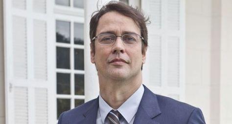 Após criticar novela, Marcello Antony é esquecido na Globo