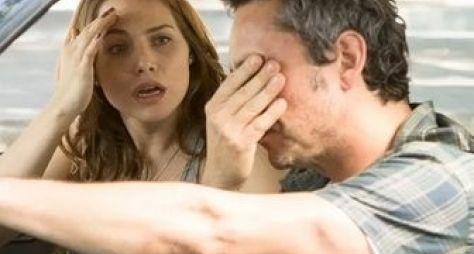 Letícia Colin e Alexandre Nero gravam cenas de A Regra do Jogo