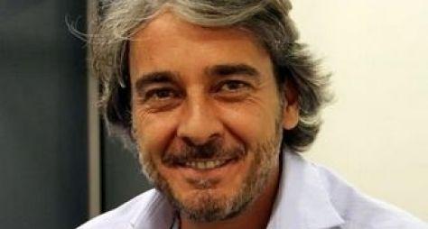 Alexandre Borges deve protagonizar remake de Sassaricando