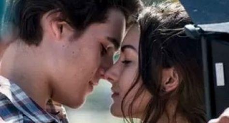 Protagonistas da nova Malhação gravam cena romântica no Rio