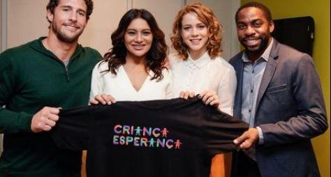 Os apresentadores na campanha do ano passado. Foto: Globo