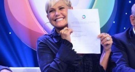 Xuxa grava reportagem para o Hoje em Dia