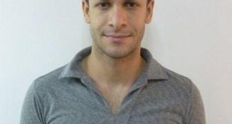 Rainer Cadete muda visual após fim de Verdades Secretas