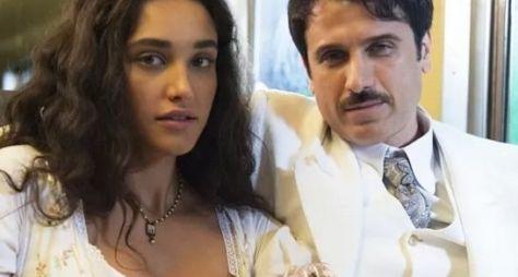 Débora Nascimento e Eriberto Leão gravam cenas de Êta Mundo Bom