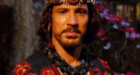 """""""Não quero ser ator bíblico"""", diz Leonardo Brício chateado com a Record"""