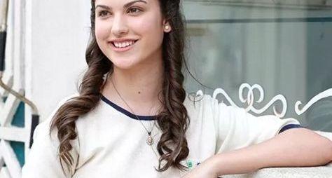 Giovanna Grigio fará par com Arthur Aguiar em Êta Mundo Bom!