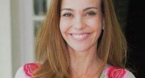 Flávia Monteiro volta ao trabalho após licença-maternidade