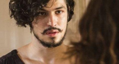 Gabriel Leone surge com novo visual para Velho Chico