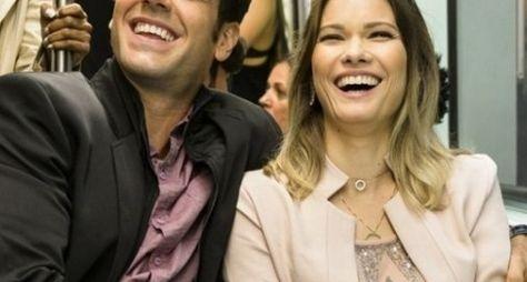 Marcos Pitombo e Karen Junqueira formam casal em Haja Coração