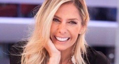 Adriane Galisteu conversa com direção da TV Gazeta