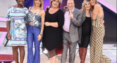 """""""Ser demitida não é bom nunca"""", revela Silvia Poppovic no programa Raul Gil"""
