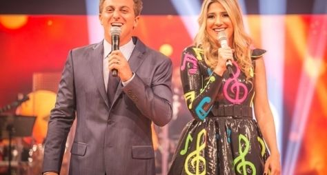 Ao vivo, Luciano Huck apresenta Caldeirão com estreia de Dani Calabresa