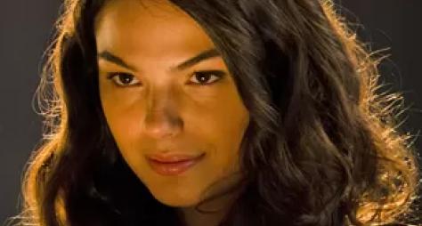 Vestida de sereia, Isis Valverde grava novela das nove