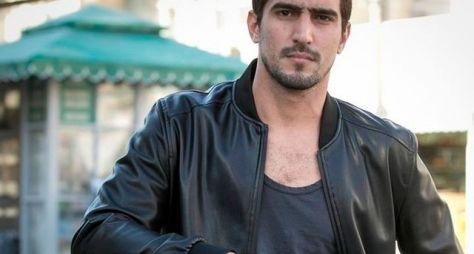 Renato Góes deixa A Lei do Amor para protagonizar trama das 23h