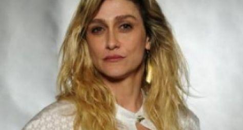 Amora Mautner comenta indicação de A Regra do Jogo ao Emmy Internacional