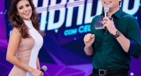 Paula Fernandes dança salsa no Sabadão com Celso Portiolli