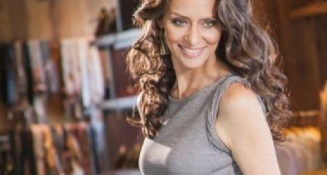 Antes de novela, Maria Fernanda Cândido grava programa da TV Cultura