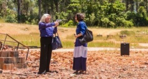 A Lei do Amor: Mág atira em Beth