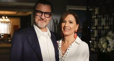 Natália do Vale e Antonio Calloni formam casal em Os Dias Eram Assim