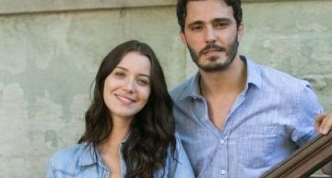 Rock Story: Júlia descobre que Tiago é tremendo cafajeste