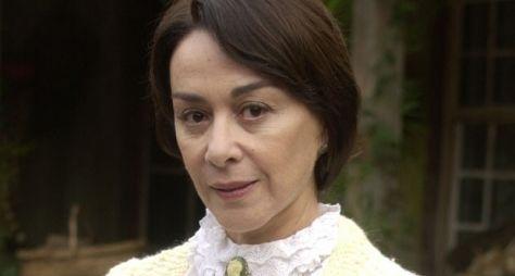 Nívea Maria emendará duas novelas na Globo