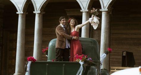 Os Dias Eram Assim: Renato se casa com Rimena, e Alice dá à luz