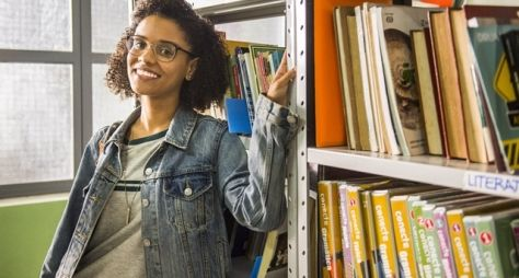 Malhação - Viva a Diferença: Ellen revoluciona a biblioteca da Cora Coralina