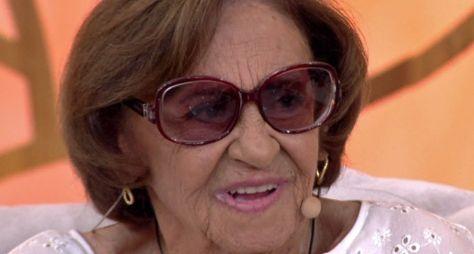 Laura Cardoso avalia a televisão e elege três atrizes que têm futuro