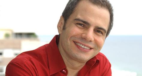 Ricardo Linhares comenta sobre beijo gay de Babilônia