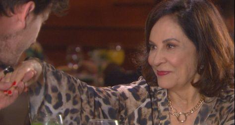 Stella Miranda estreia na novela Carinha de Anjo, do SBT