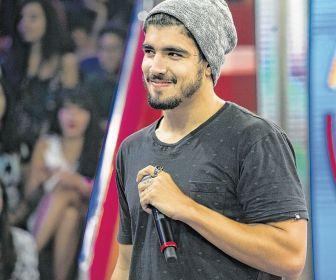 Caio Castro pode substituir Cauã Reymond em novela de Aguinaldo Silva