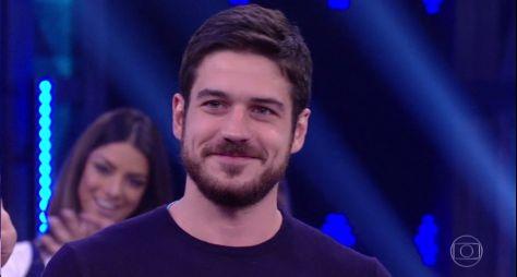 """""""Foi meio por acidente"""", diz Marco Pigossi sobre carreira de ator"""