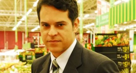 Juan Alba acerta participação em Tempo de Amar