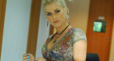 Ana Paula Tabalipa acerta seu retorno à Record TV