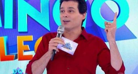 Revoltado com boatos, Celso Portiolli afirma que renovou com o SBT