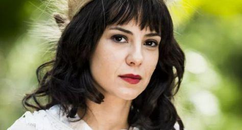 Andreia Horta celebra sucesso no cinema e vilã de Tempo de Amar