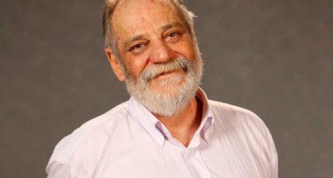 Com contrato renovado na Globo, Walther Negrão aguarda avaliação de projeto
