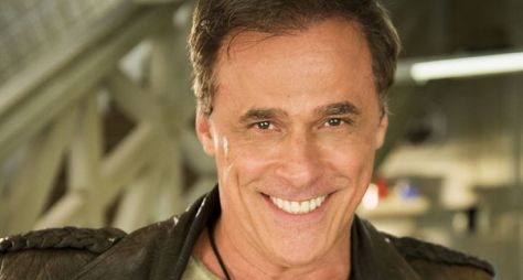 Após recusar convite da Record TV, Oscar Magrini fará novela das seis da Globo