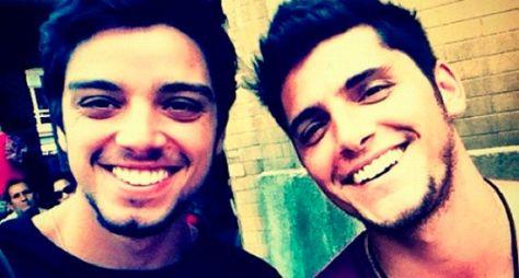 Rodrigo Simas e Bruno Gissoni devem atuar juntos na TV