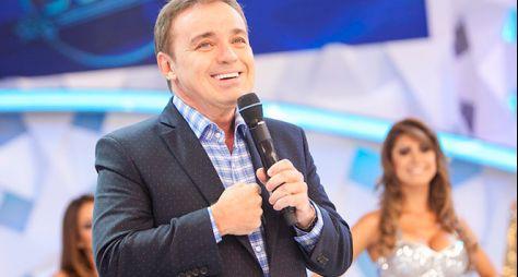 Record TV quer renovar com Gugu por um ano