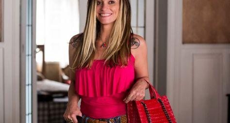 Suzana Pires entrega sinopse de novela à Globo