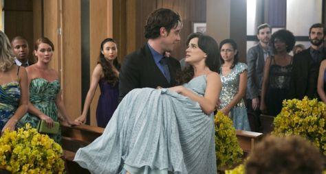 Clara sente contrações durante o casamento de Suzy e Samuel