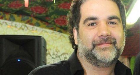 Filipe Miguez tanta emplacar nova série na Globo