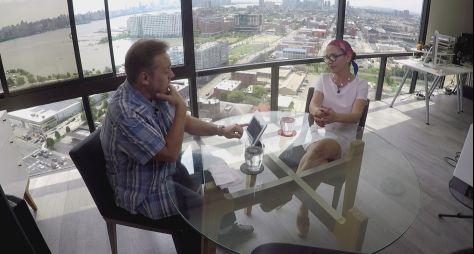 Gugu debate técnica de depilação intitulada Brazilian Wax