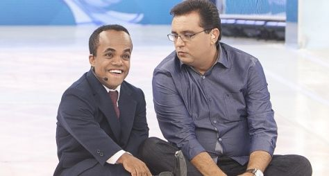 Anão Maquinhos volta ao passado em homenagem do Domingo Show