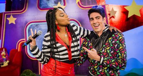 Ludmilla e Adriane Galisteu se divertem no Adnight Show