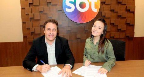 SBT renova contrato de Larissa Manoela